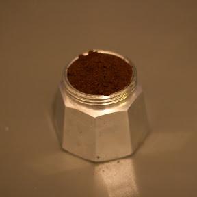 Caffetiera mit Espressopulver